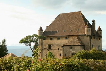 castle-yvoire-garden